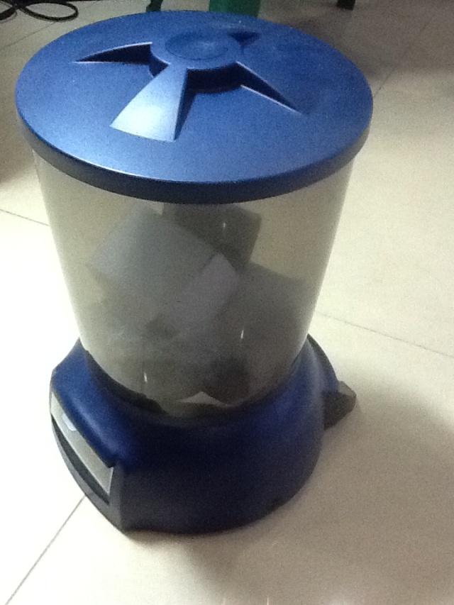 Hình ảnh máy cho cá koi ăn tự động