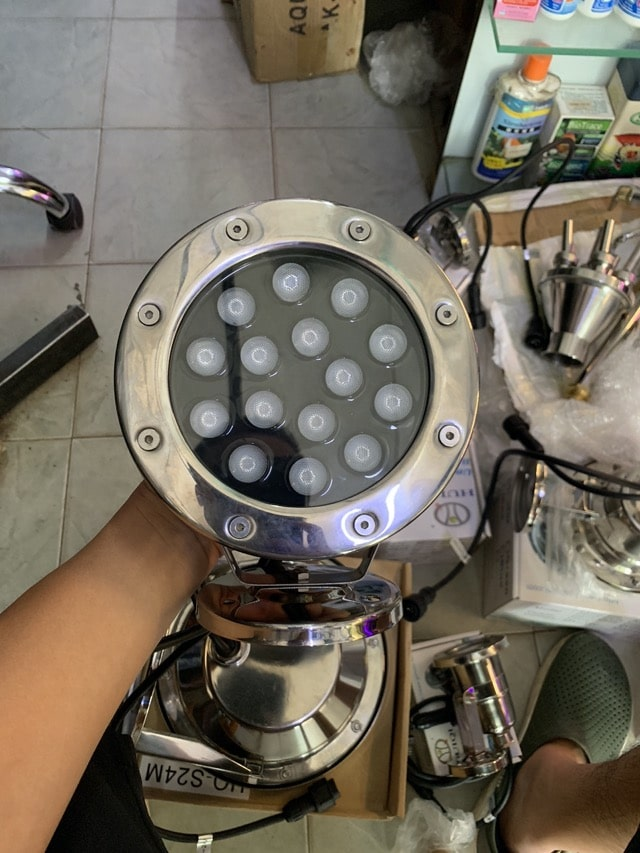 Hình ảnh Đèn LED âm nước hồ cá koi 15w