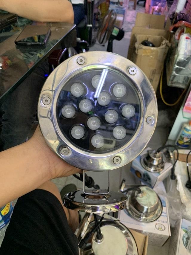 Hình ảnh Đèn LED âm nước hồ cá koi 12W